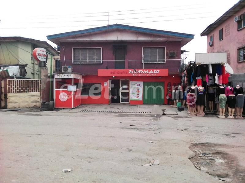 3 bedroom Flat / Apartment for sale Along St. Finbars Road Akoka Yaba Lagos - 2