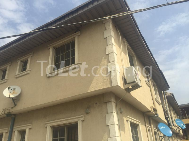 3 bedroom Flat / Apartment for rent LadyLak  Palmgroove Shomolu Lagos - 1