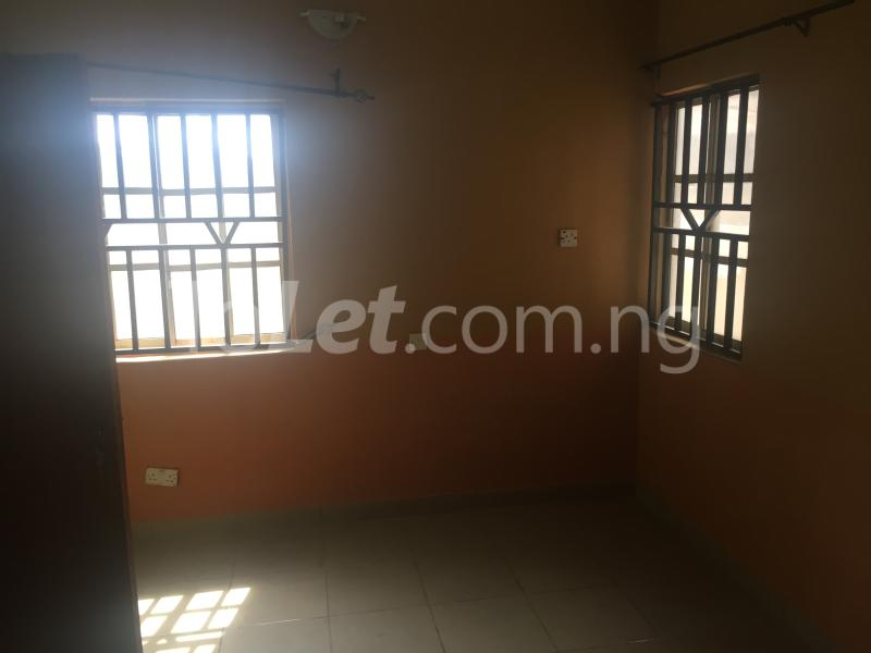 3 bedroom Flat / Apartment for rent LadyLak  Palmgroove Shomolu Lagos - 8