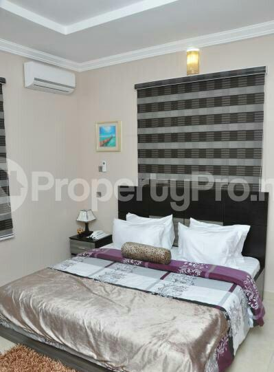 3 bedroom Flat / Apartment for shortlet off admiralty way Lekki Phase 1 Lekki Lagos - 6