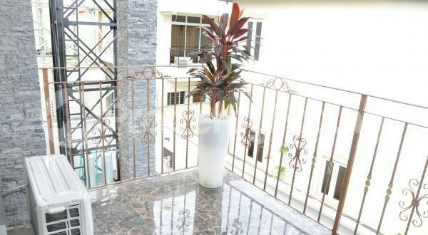 3 bedroom Flat / Apartment for shortlet off admiralty way Lekki Phase 1 Lekki Lagos - 10