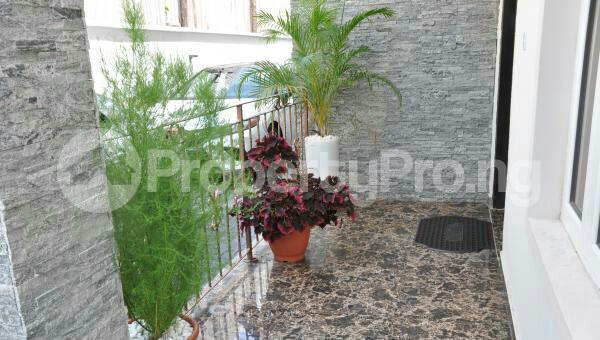 3 bedroom Flat / Apartment for shortlet off admiralty way Lekki Phase 1 Lekki Lagos - 9