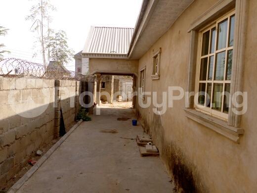 3 bedroom Flat / Apartment for sale nafdac high cost,narayi kaduna Kaduna South Kaduna - 7