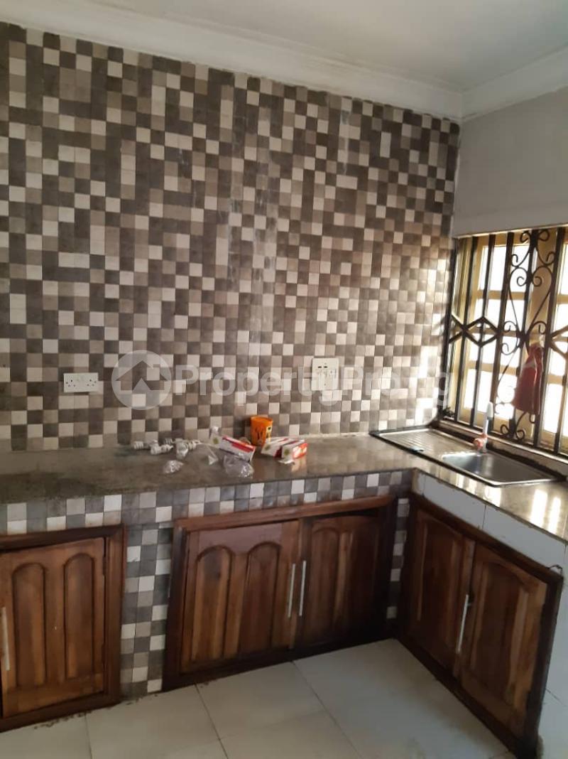3 bedroom Flat / Apartment for rent Off Pedro road  Palmgroove Shomolu Lagos - 2