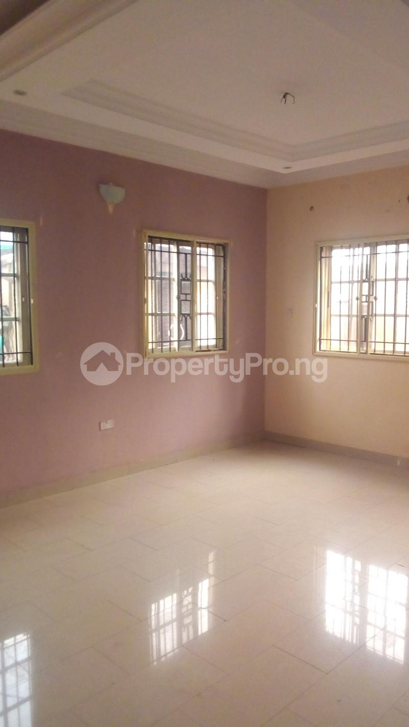 4 bedroom Terraced Duplex House for rent Medina Estate Atunrase Medina Gbagada Lagos - 2