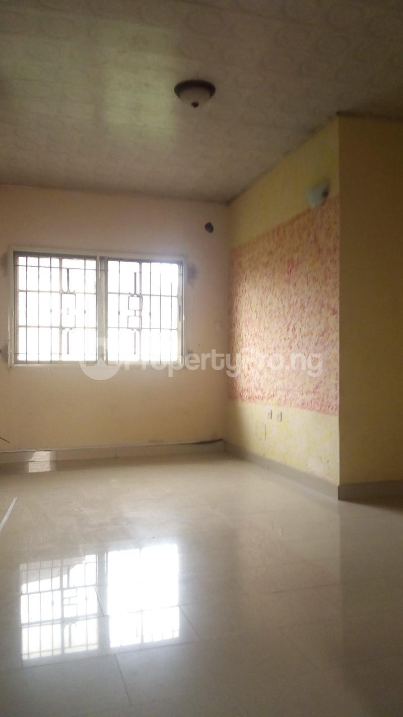 4 bedroom Terraced Duplex House for rent Medina Estate Atunrase Medina Gbagada Lagos - 10