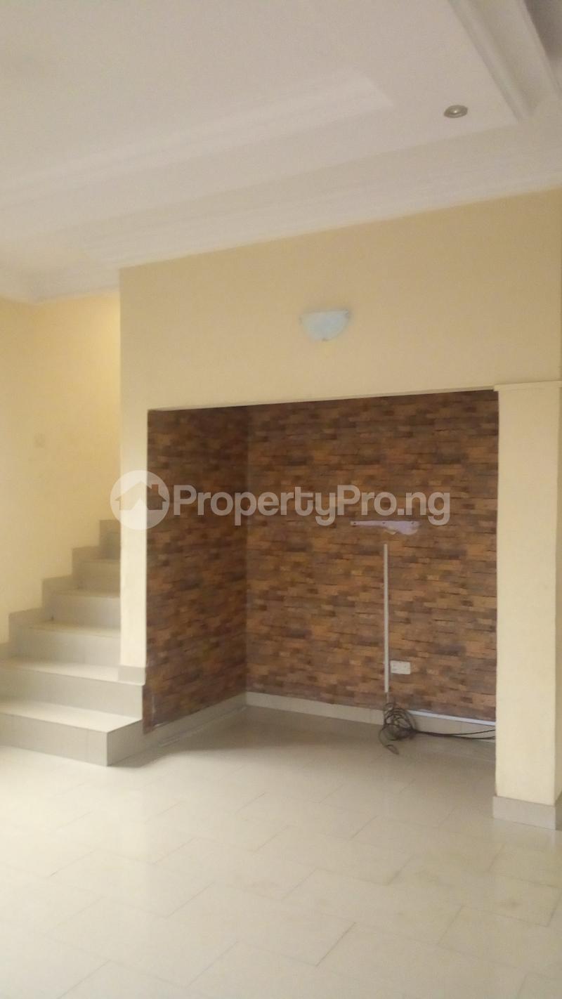4 bedroom Terraced Duplex House for rent Medina Estate Atunrase Medina Gbagada Lagos - 4