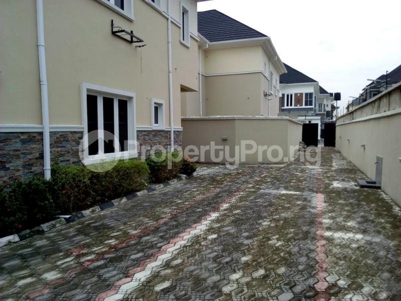 5 bedroom Detached Duplex House for sale Chevy View Estate chevron Lekki Lagos - 18