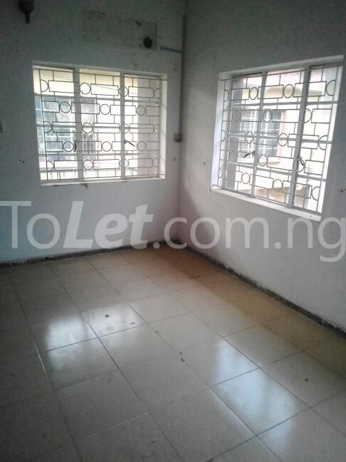 2 bedroom Flat / Apartment for rent Eric manuel crescent, Bode Thomas Surulere Lagos - 6
