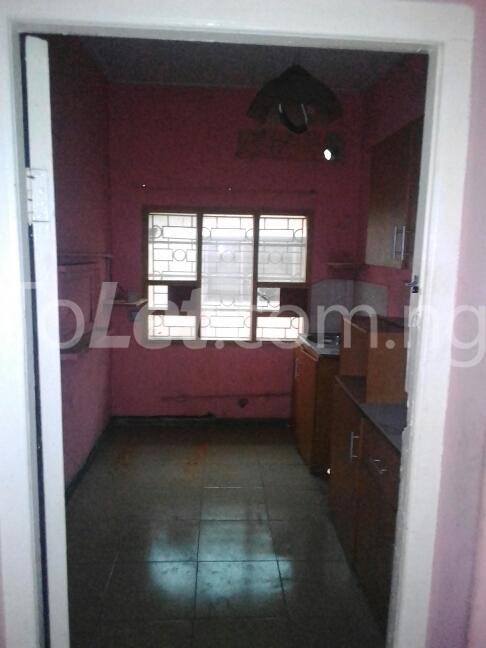 2 bedroom Flat / Apartment for rent Eric manuel crescent, Bode Thomas Surulere Lagos - 12