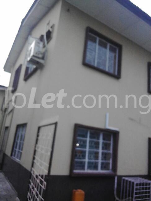 2 bedroom Flat / Apartment for rent Eric manuel crescent, Bode Thomas Surulere Lagos - 3