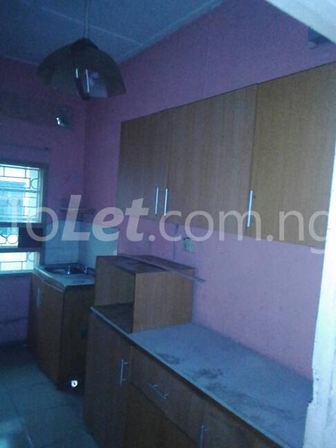 2 bedroom Flat / Apartment for rent Eric manuel crescent, Bode Thomas Surulere Lagos - 17