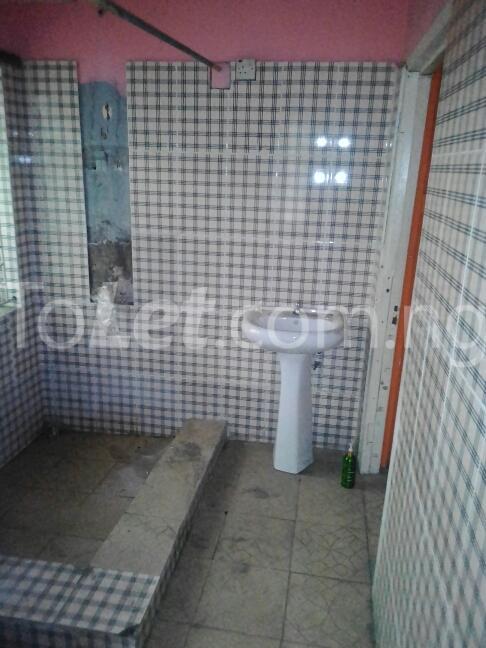 2 bedroom Flat / Apartment for rent Eric manuel crescent, Bode Thomas Surulere Lagos - 9