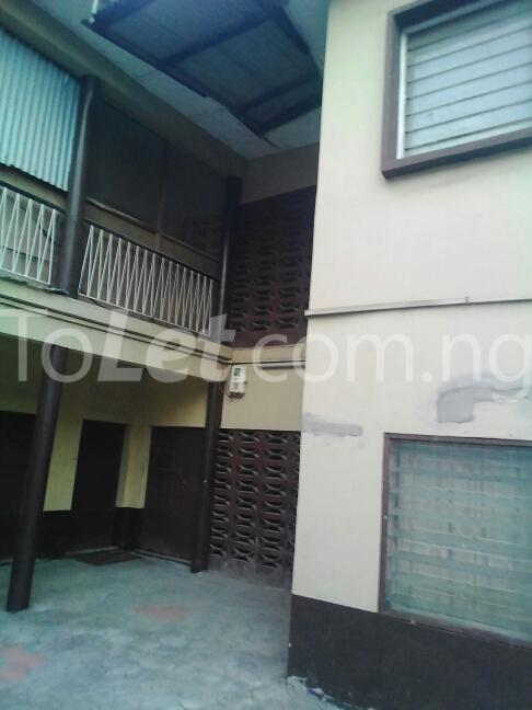 2 bedroom Flat / Apartment for rent Eric manuel crescent, Bode Thomas Surulere Lagos - 0