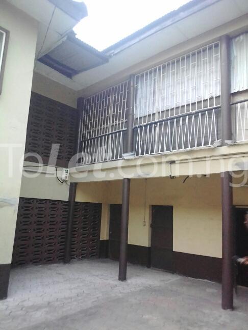 2 bedroom Flat / Apartment for rent Eric manuel crescent, Bode Thomas Surulere Lagos - 2