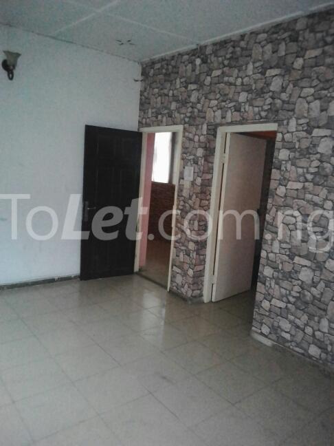 2 bedroom Flat / Apartment for rent Eric manuel crescent, Bode Thomas Surulere Lagos - 15
