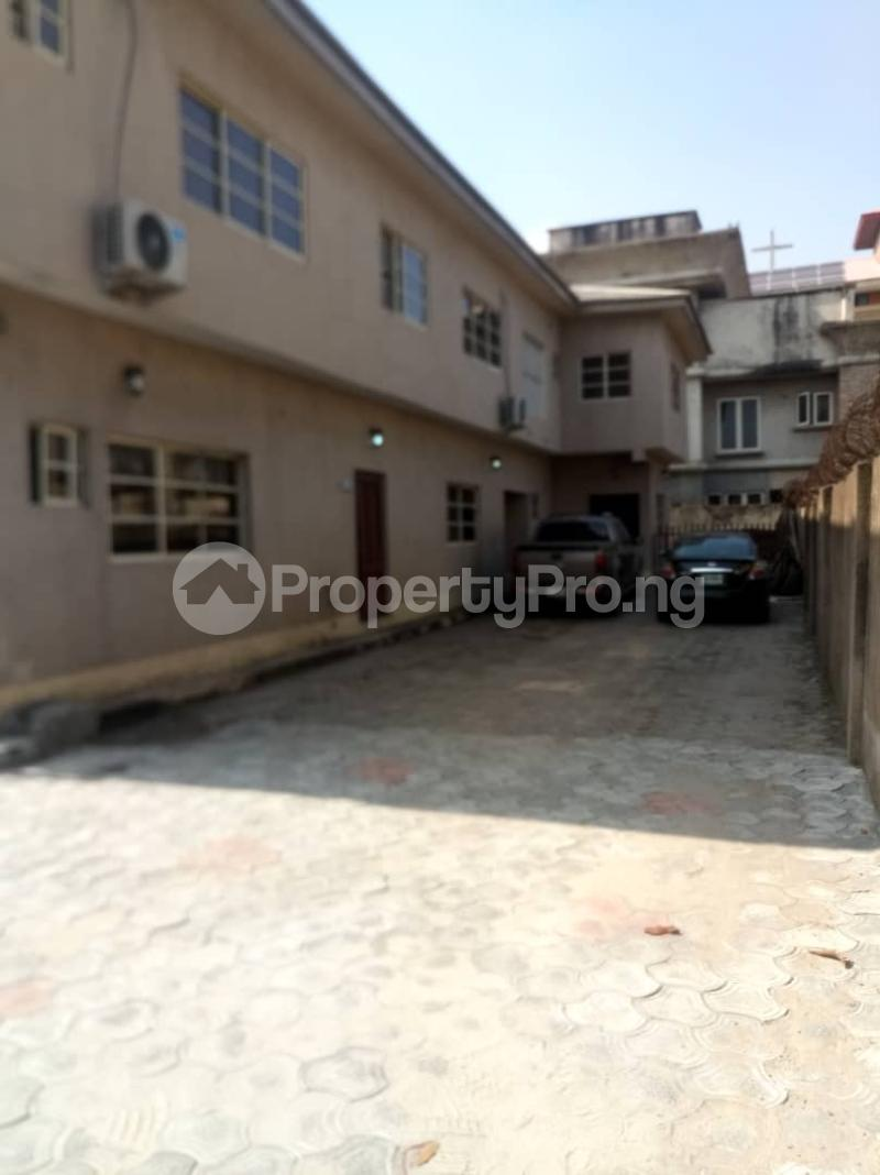 3 bedroom Office Space Commercial Property for rent Sabo Yaba Lagos - 3