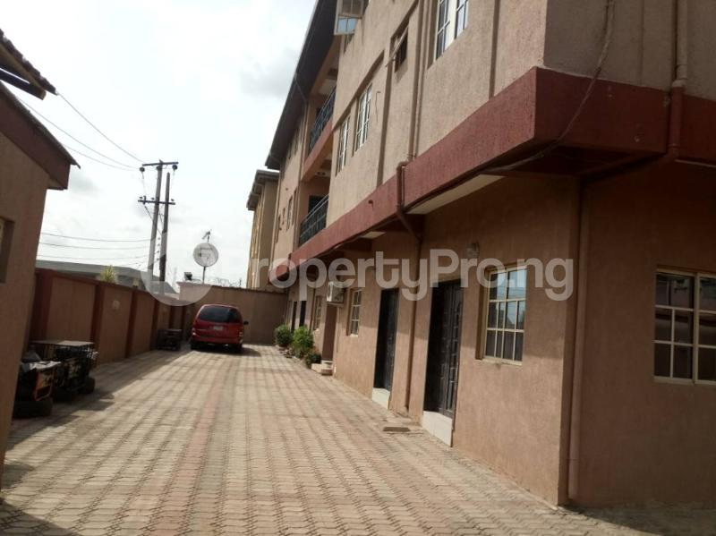 3 bedroom Flat / Apartment for rent Gbamila  Akoka Yaba Lagos - 0