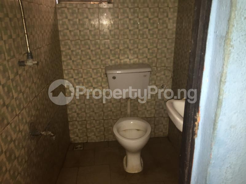 Self Contain Flat / Apartment for rent Bailey  Abule-Ijesha Yaba Lagos - 5