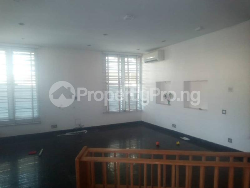 4 bedroom Semi Detached Duplex House for rent - Idado Lekki Lagos - 3