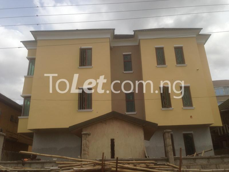 3 bedroom Flat / Apartment for rent Modupe  Fola Agoro Yaba Lagos - 0