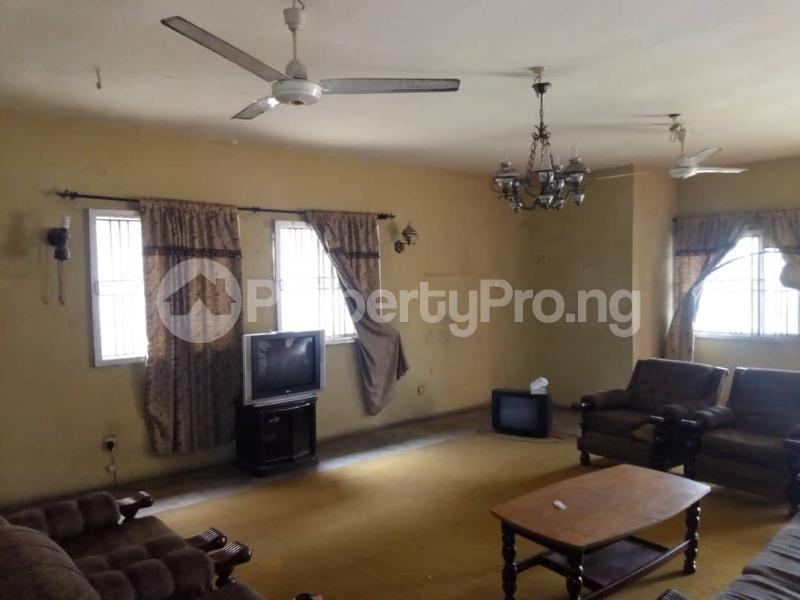 6 bedroom Commercial Property for rent --- Magodo GRA Phase 2 Kosofe/Ikosi Lagos - 4