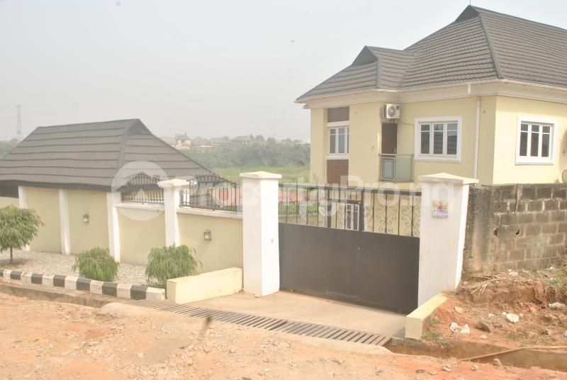 3 bedroom Blocks of Flats House for rent Maureen chigbo close[Now Tribune close] journalist Estate phase 1 Arepo Arepo Ogun - 5