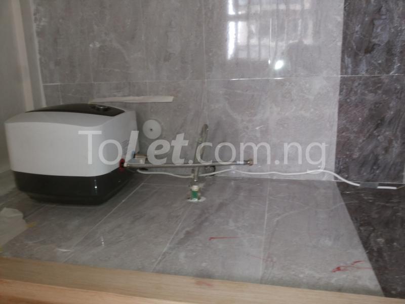 3 bedroom Flat / Apartment for sale - Alagomeji Yaba Lagos - 9
