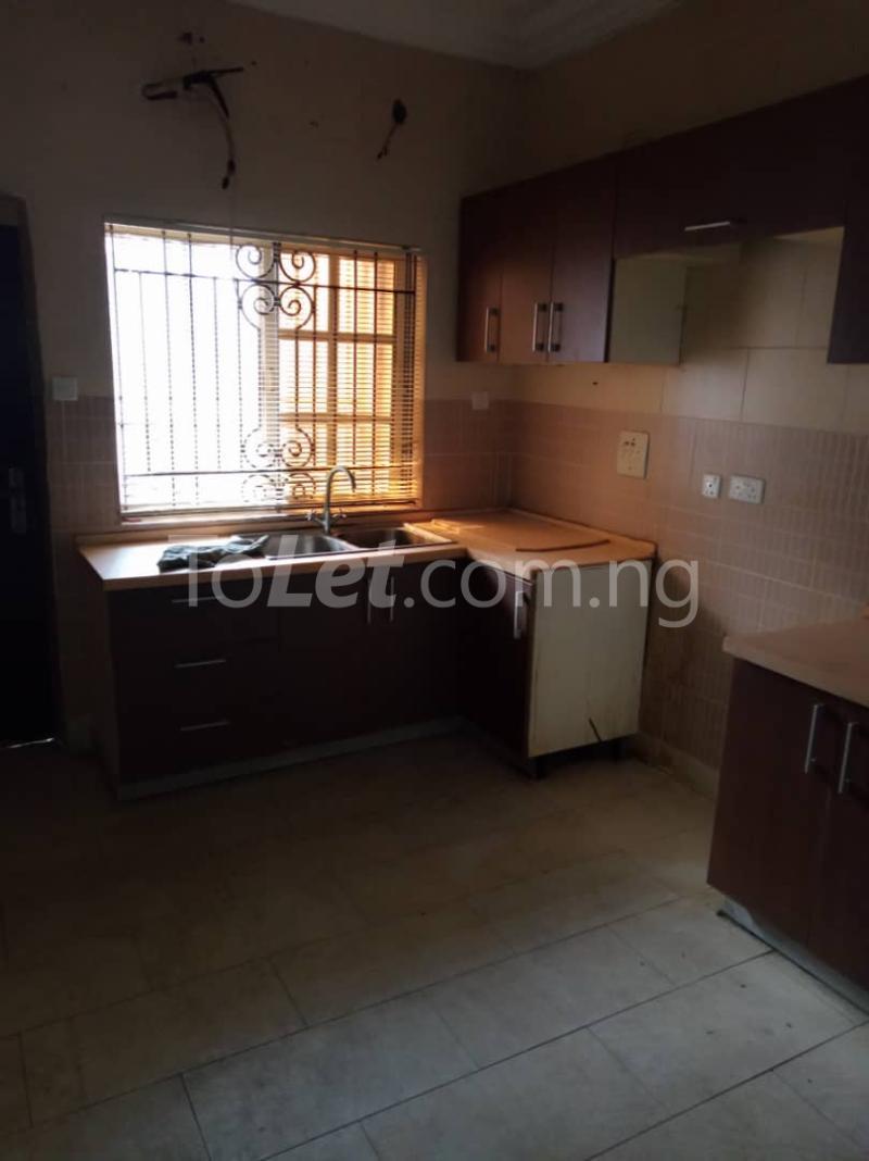 3 bedroom Blocks of Flats House for rent thomas estate Thomas estate Ajah Lagos - 2