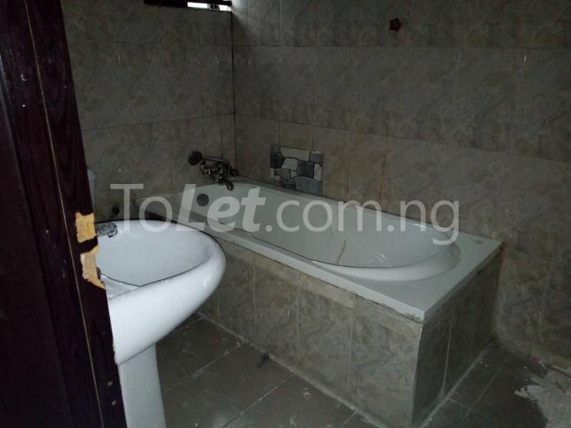 3 bedroom Blocks of Flats House for rent thomas estate Thomas estate Ajah Lagos - 3