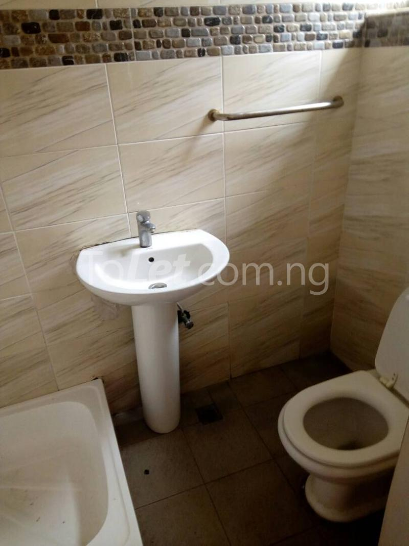 4 bedroom House for rent Connal road Sabo Yaba Lagos - 10