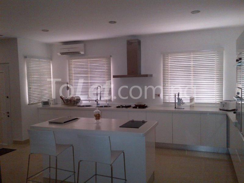 6 bedroom House for sale Royal Gardens Estate  Off Lekki-Epe Expressway Ajah Lagos - 1
