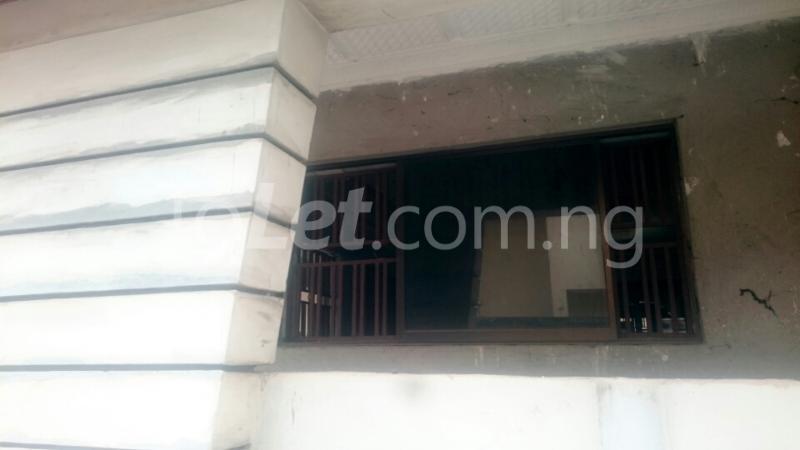 7 bedroom House for sale opposite Ibadan Business School, behind Davis Hotel Ibadan Oyo - 4