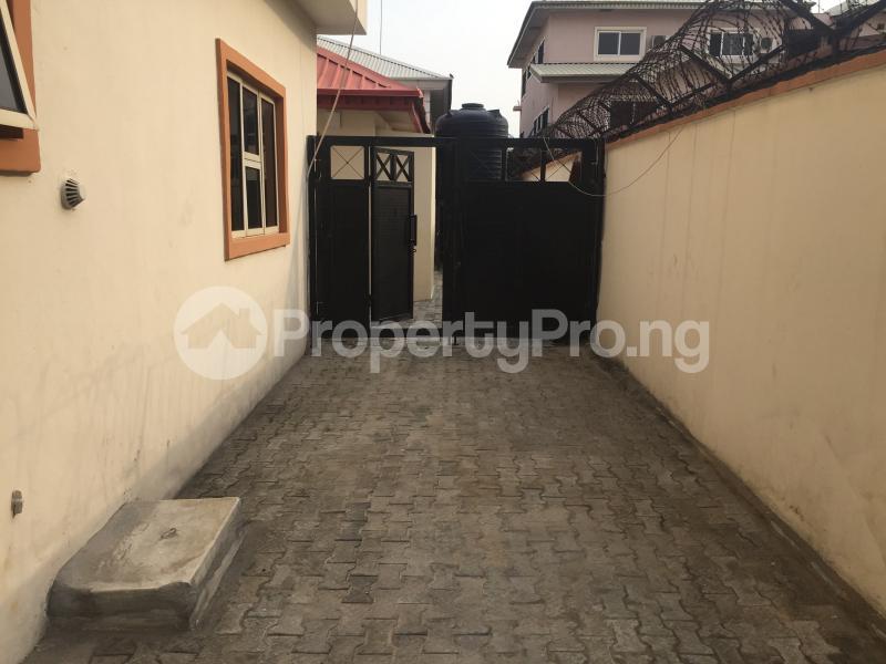 3 bedroom Boys Quarters Flat / Apartment for rent Off fola oshibo  Lekki Phase 1 Lekki Lagos - 12