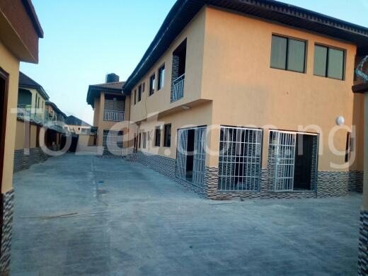 2 bedroom Flat / Apartment for rent Container road Awoyaya Ajah Lagos - 2