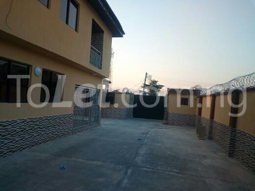 2 bedroom Flat / Apartment for rent Container road Awoyaya Ajah Lagos - 6