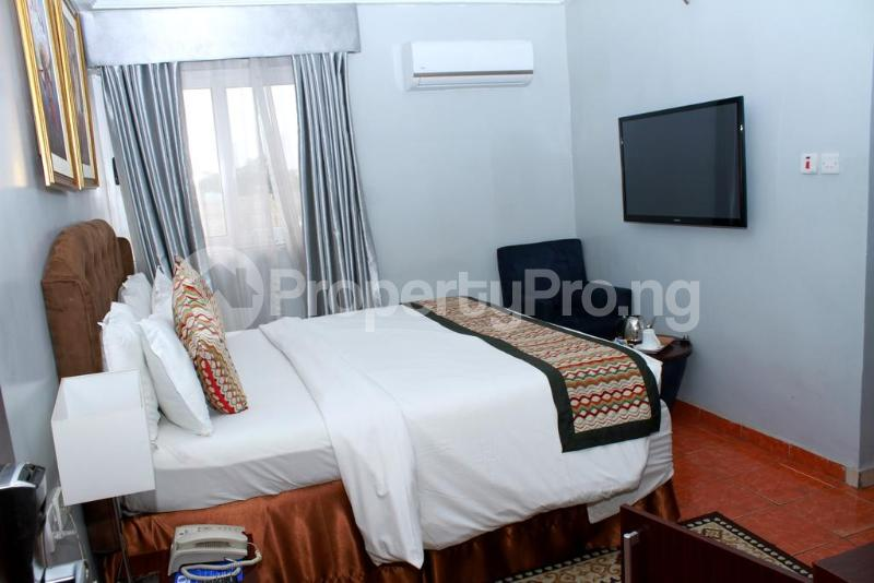 3 bedroom Flat / Apartment for shortlet Zone 7 Wuse 1 Abuja - 8