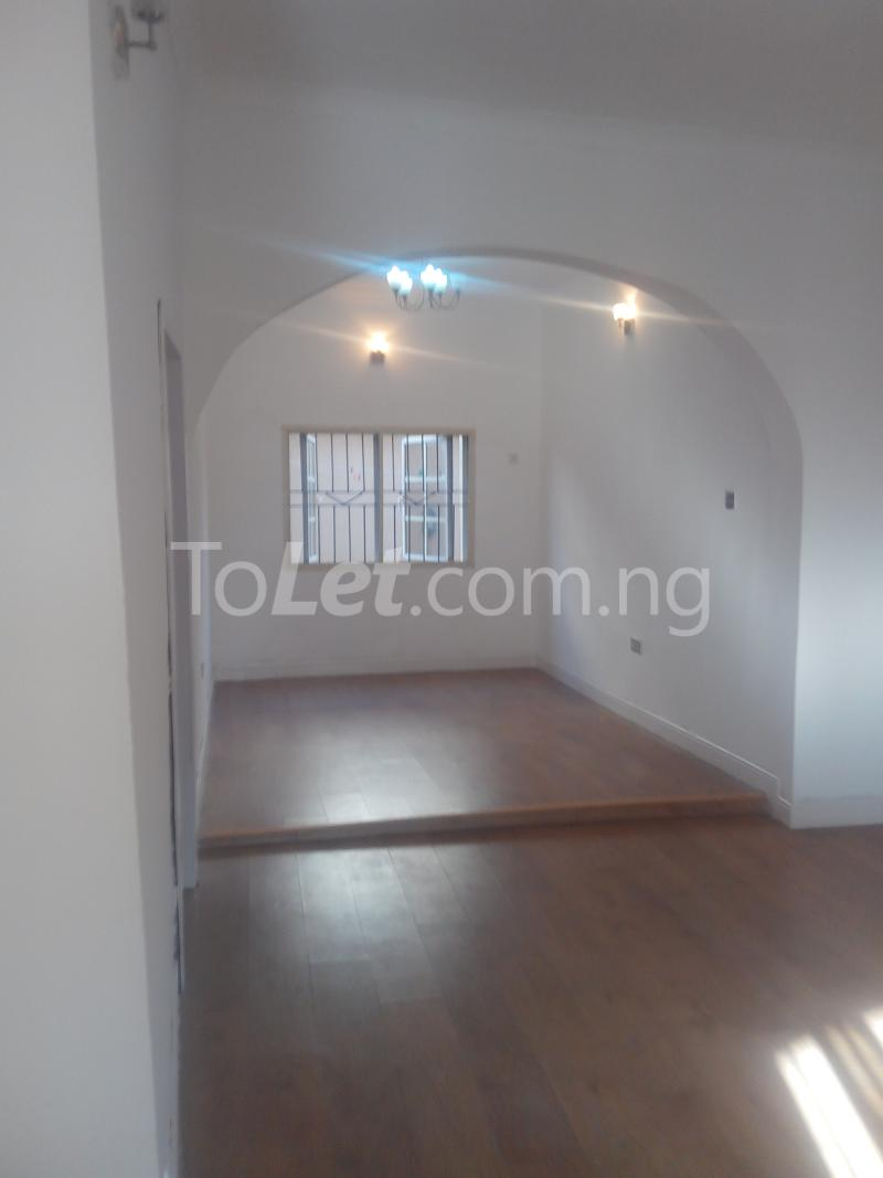 3 bedroom Flat / Apartment for rent Ologolo town Jakande Lekki Lagos - 2