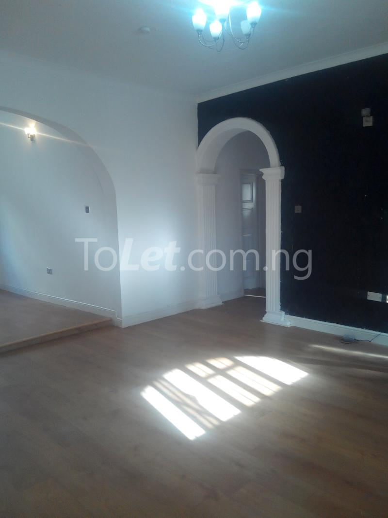 3 bedroom Flat / Apartment for rent Ologolo town Jakande Lekki Lagos - 0