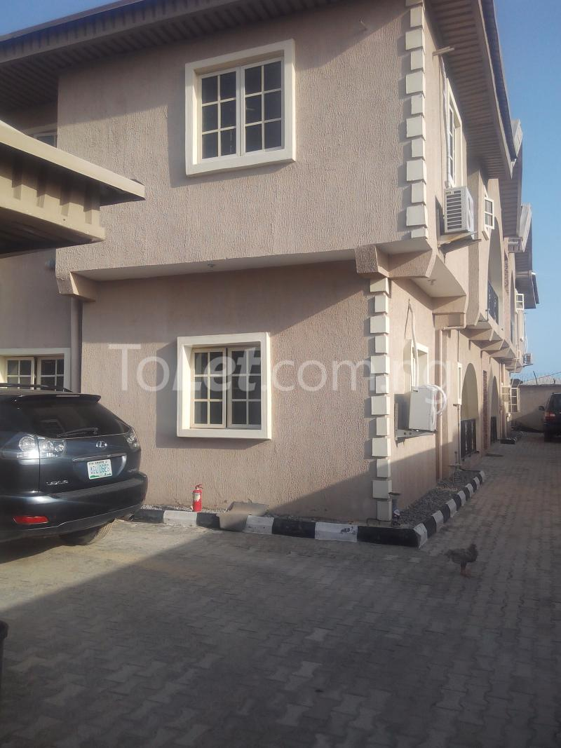 3 bedroom Flat / Apartment for rent Ologolo town Jakande Lekki Lagos - 9