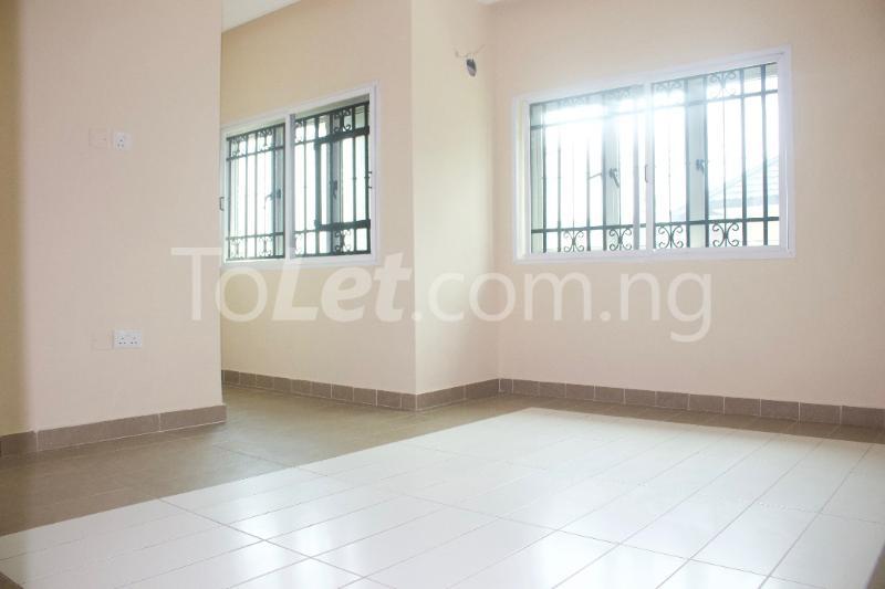 3 bedroom Terraced Duplex House for rent Platinum way  Jakande Lekki Lagos - 4