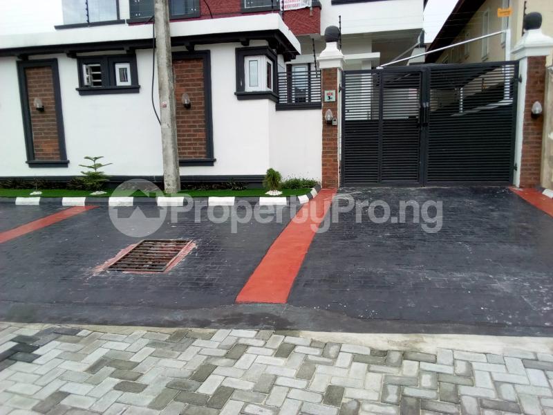 4 bedroom Semi Detached Duplex House for sale Chevron Drive chevron Lekki Lagos - 23