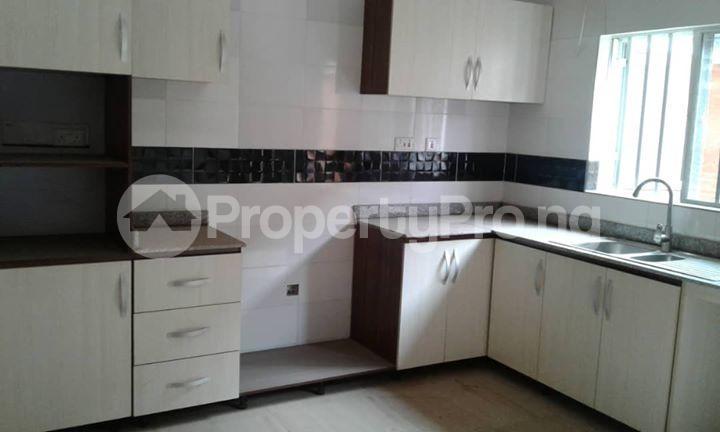 4 bedroom Semi Detached Duplex House for sale  Off Ayo Fasugba Street, Magodo GRA Phase 1, Gateway Zone, Magodo-Isheri Magodo Kosofe/Ikosi Lagos - 8