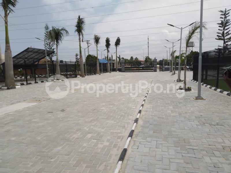 5 bedroom Detached Duplex House for sale Lekki Express Way, Ikota axis Lekki Lagos - 5