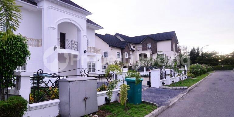 5 bedroom Detached Duplex House for sale chevron drive area chevron Lekki Lagos - 1
