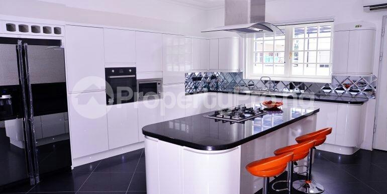 5 bedroom Detached Duplex House for sale chevron drive area chevron Lekki Lagos - 13