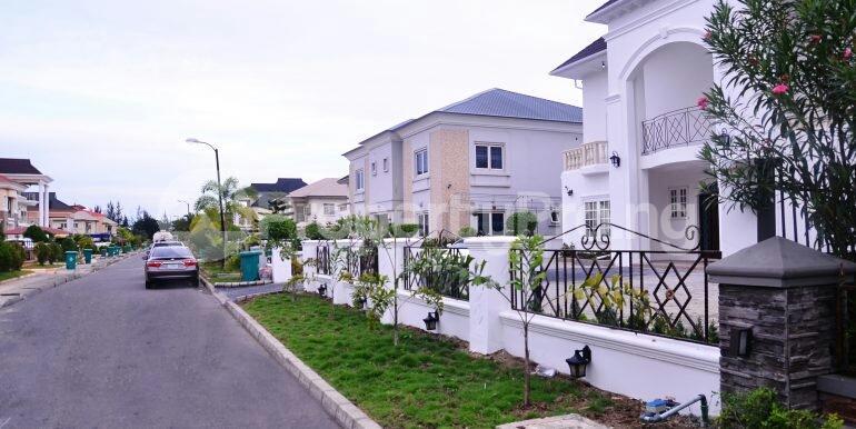 5 bedroom Detached Duplex House for sale chevron drive area chevron Lekki Lagos - 0