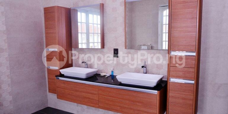 5 bedroom Detached Duplex House for sale chevron drive area chevron Lekki Lagos - 7