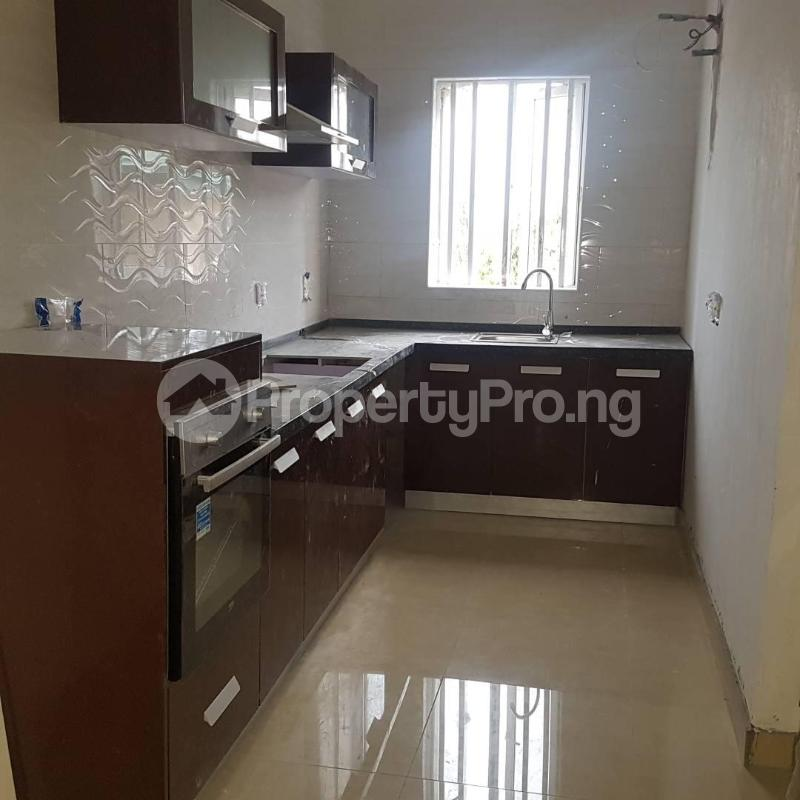 2 bedroom Blocks of Flats House for rent Orchid hotel road chevron Lekki Lagos - 3