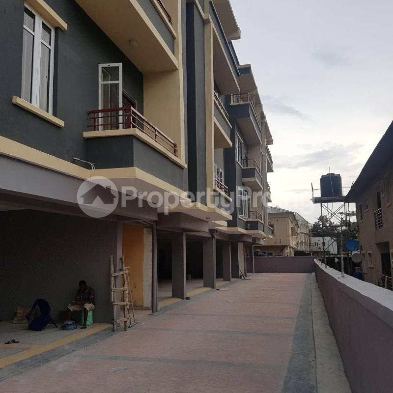 2 bedroom Blocks of Flats House for rent Orchid hotel road chevron Lekki Lagos - 5